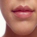 Черные точки на губах