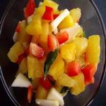 Салат из ананасов и яблок