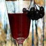 Фруктовый напиток с черноплодной рябиной