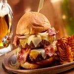 Чизбургер с говяжьей тефтелей и беконом