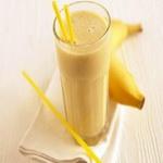 Молочный коктейль с бананово-лимонным сиропом