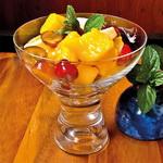 Салат – коктейль фруктовый, с мёдом