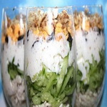 Салат – коктейль с окороком и лососем