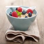 Каша «Геркулес» с ягодами