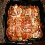 Рулеты из куриного мяса, с соусом