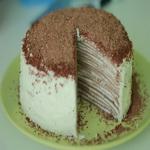 Шоколадный блинный торт со сливками