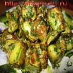 Жареные кабачки, с зеленью и орехами