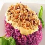 Салат из свеклы с сыром и орехами
