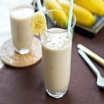 Кефирный смузи с бананом