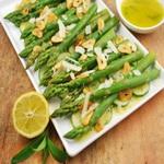 Спаржу, используемую для приготовления салатов