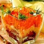 Салат слоеный с морковью и сухофруктами