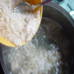 При варке риса