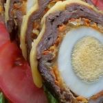 Рулет из телятины с сыром и яйцами