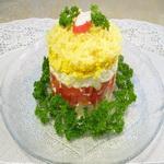 Салат слоеный, из крабовых палочек