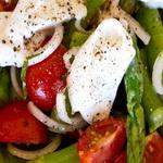 Спаржевый салат с моцареллой