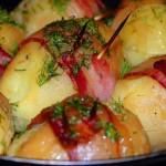 Фаршированный картофель в беконе
