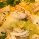 Тёплый салат с сельдереем