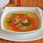 Суп из молодых овощей с фрикадельками