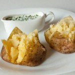 Молодой картофель с соусами – дипами ассорти
