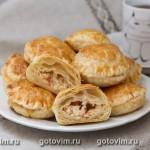 Слоёные пирожки с мясом крабов