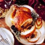 Курица, фаршированная свининой и фисташками