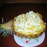 Салат из домашней птицы с ананасом