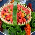 Фруктовый салат в арбузе