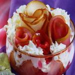 Фруктовый салат с соком смородины