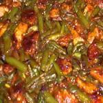 Салат из спаржевой фасоли с баклажанами
