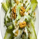 Салат с сельдереем, под ореховым соусом