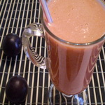 Напиток из сельдерея со сливовым соком