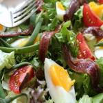 Классический салат из анчоусов