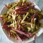 Салат из колбасы по-эльзасски