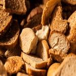 Что приготовить из черствого хлеба. Сухарики