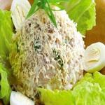 Яичный салат с солёной сайдой