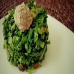 Ботва редиса с орехами и пряной зеленью
