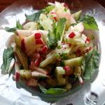 Салат из молодых кабачков и редиса