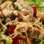 Салат из капеллини и жареной телятины