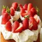 Торт – сердце с маскарпоне и взбитыми сливками
