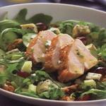 Салат из куриного филе (с виноградом)